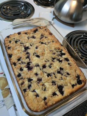 Keto lemon blueberry cheesecake crumble